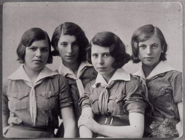 twins-far left/right