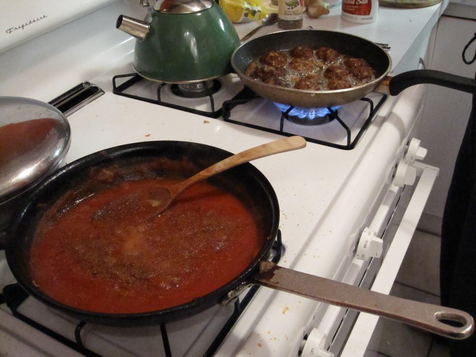 salsa and ktzitzot