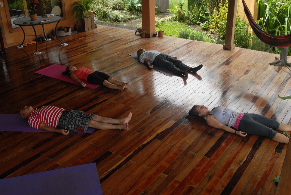 Yoga at El-nidito